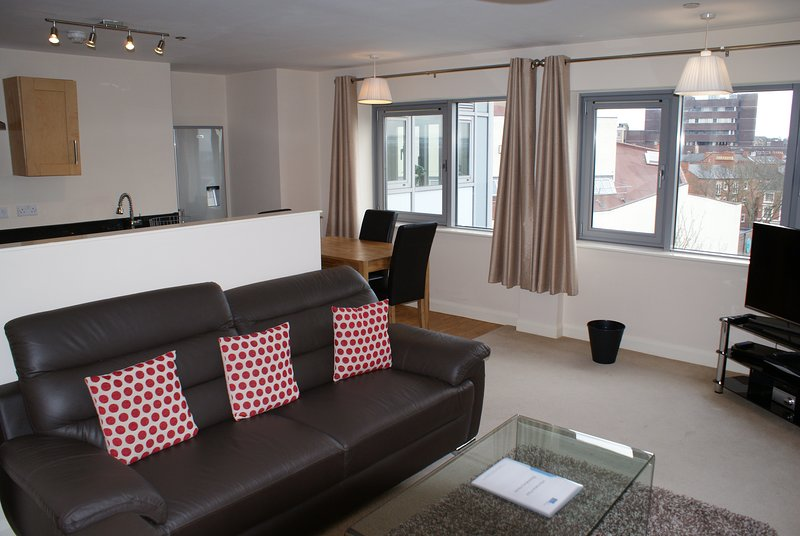 Shortletting by Centro Apartments Bloomsbury House NN - No. 110, vacation rental in Grendon
