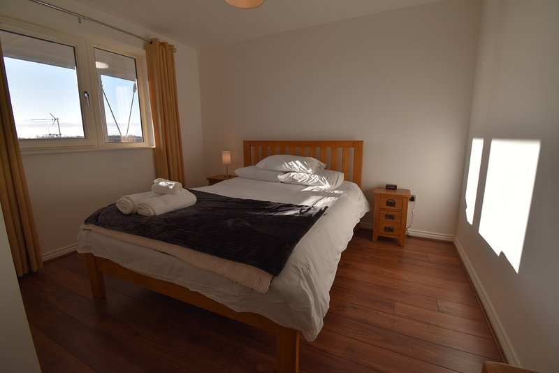 Shortletting by Centro Apartments - Campbell Sq MK - No. 46, holiday rental in Newport Pagnell