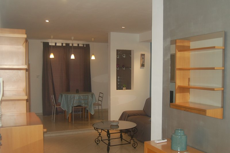Two bedroom designer apartment close to the beach and entertainment area., vacation rental in Salina