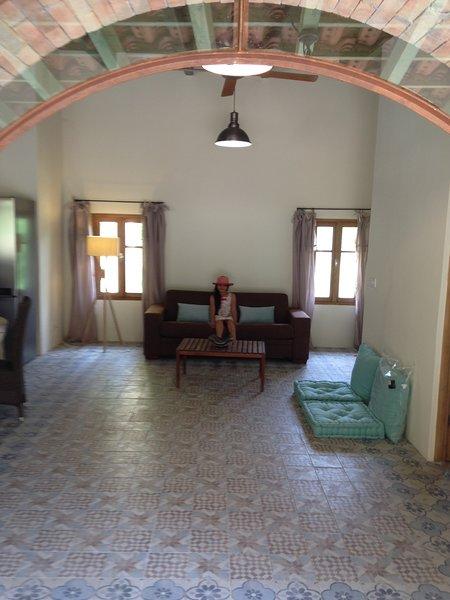 Maison Spacieuse avec jardin terrasse clim et wifi, holiday rental in Calenzana