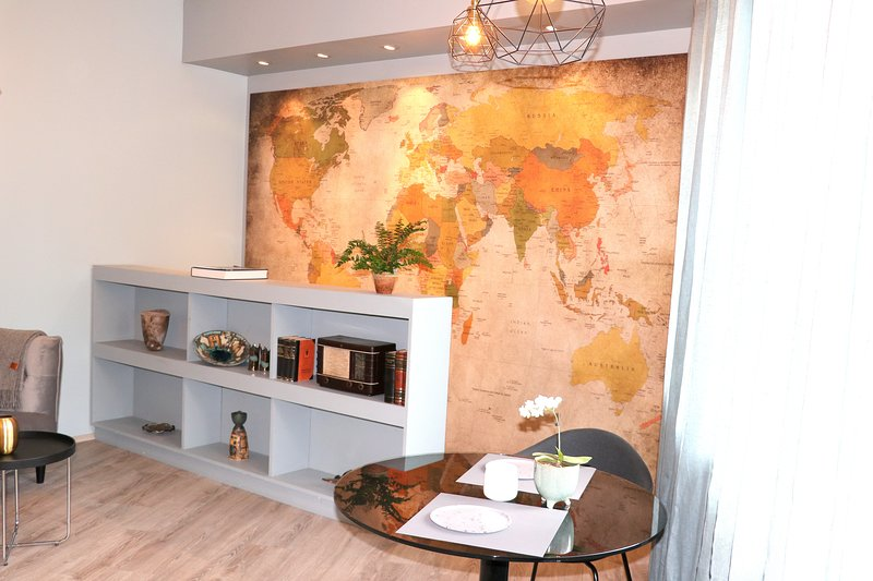 NEW! Unit 3. Vintage/style/condo, private entrance/parking, vacation rental in Reykjavik