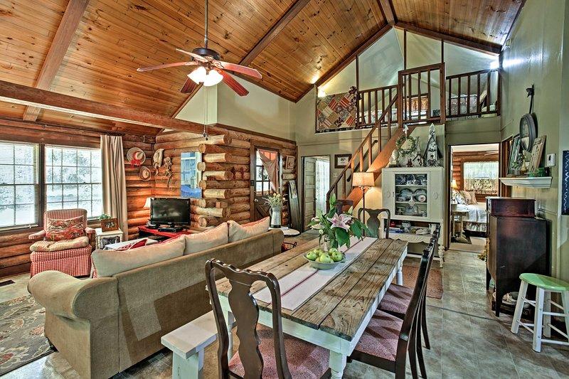 Venha escapar para esta cabine de aluguer de férias Clinton!
