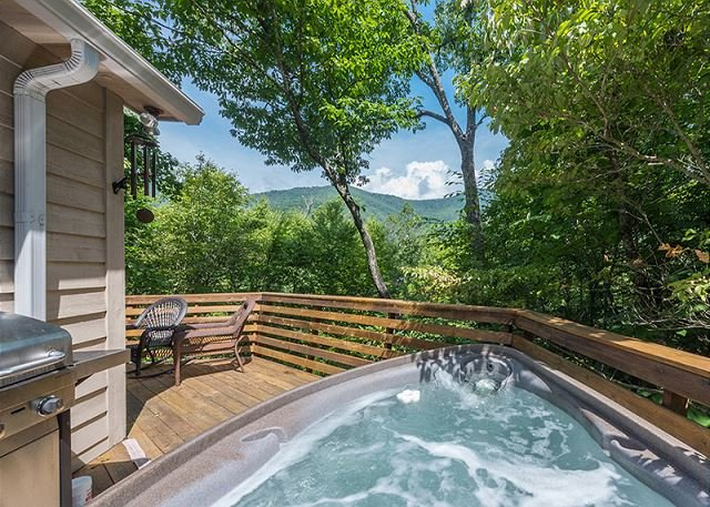 Tree Top Too | Modern 4 Bedroom 3 Full Bath surrounded by forest, holiday rental in Montreat