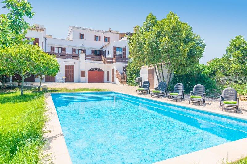 CAS PADRI - Villa for 10 people in CAPDEPERA, location de vacances à Capdepera