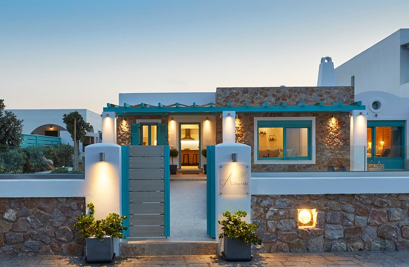 Almyriki Beach Villa, vacation rental in Monolithos