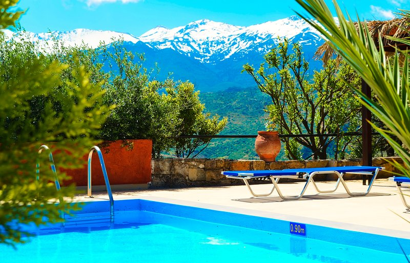 Anemole Penthouse, holiday rental in Aptera