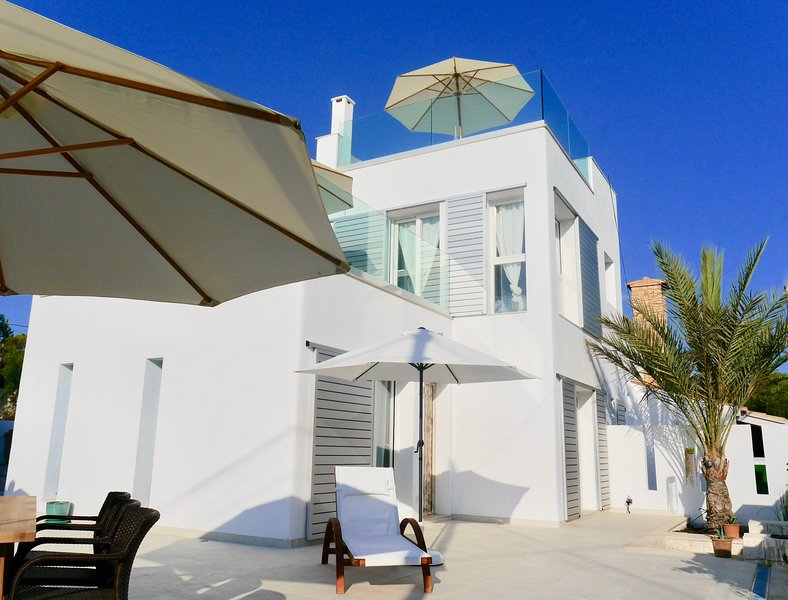Welcome to Casa Poggibonsi al Mar on Cala Llombards - Holiday home for 4 persons.