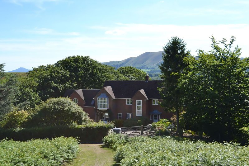 The Oaks, holiday rental in Pulverbatch