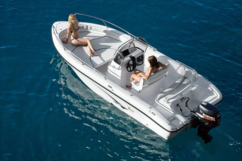 Boat Rental Villa DaVinci
