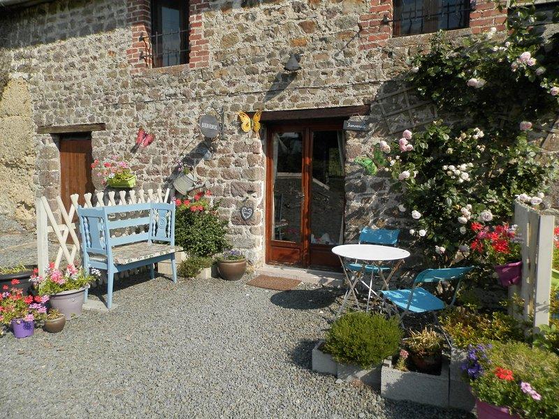 La Maison Sans Soucis Gites Le Coquelicot, casa vacanza a Tessy-sur-Vire