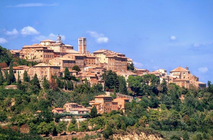 BEAUTIFUL EMERALD'S HOME IN TUSCANY, aluguéis de temporada em Acquaviva di Montepulciano