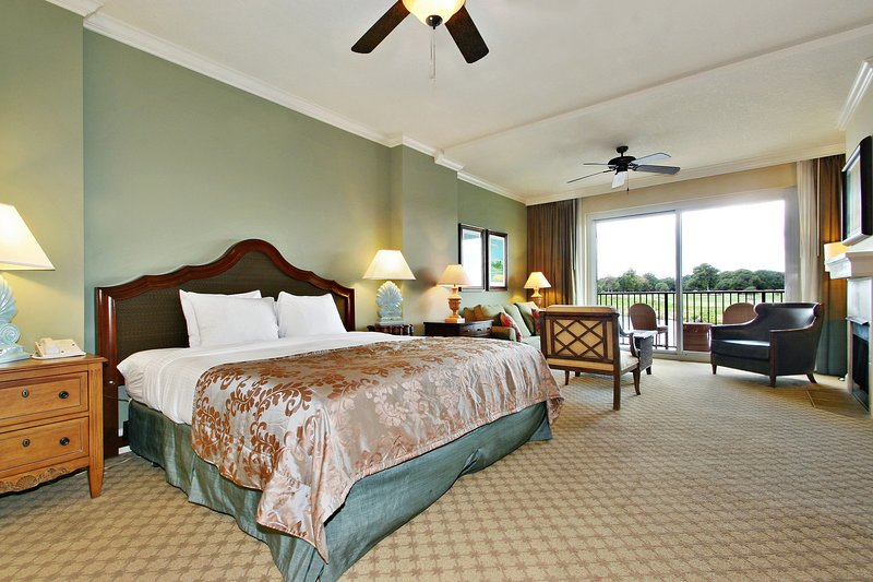 Welcome to our luxe Mediterranean-inspired suite in Myrtle Beach!