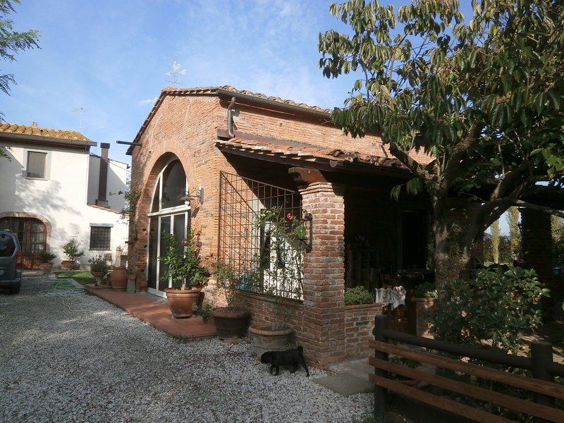 Beautiful villa with swimming-pool, alquiler vacacional en Calcinaia