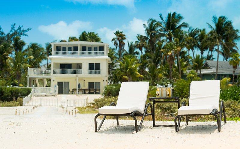 Villa Turkuaz - Entire House, 7 Bedrooms, Grace Bay Beach Front Villa, holiday rental in Grace Bay