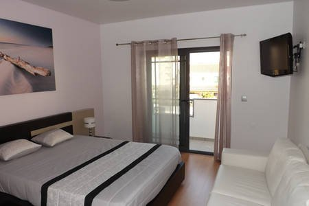 Setubal Vacation House, vacation rental in Pegoes