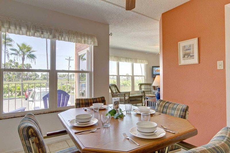 Gulfview II 101 - Cute & Comfortable, Ground Floor, Short Walk to the Beach, location de vacances à Île de South Padre