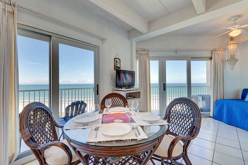 Aquarius 804 - Wraparound Balcony, Floor to Ceiling Windows Make You Feel Right, holiday rental in South Padre Island