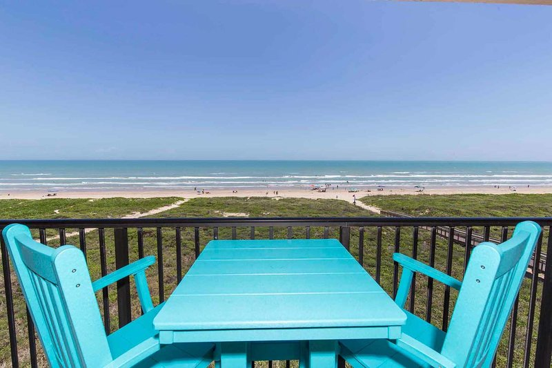 Seagull 502 - Charming Beachfront Condo w/ Endless Ocean Views, Pool, Spa, vacation rental in Port Isabel