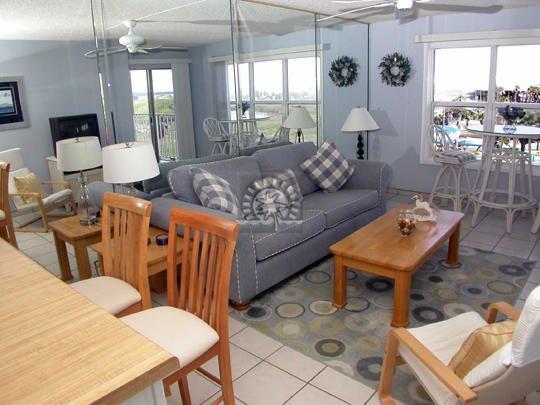 Gulfview II 509 Living Area