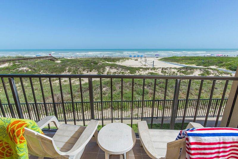 Suntide II 203 - Cozy Condo, Private Balcony w/ Breathtaking Ocean Views, location de vacances à Île de South Padre