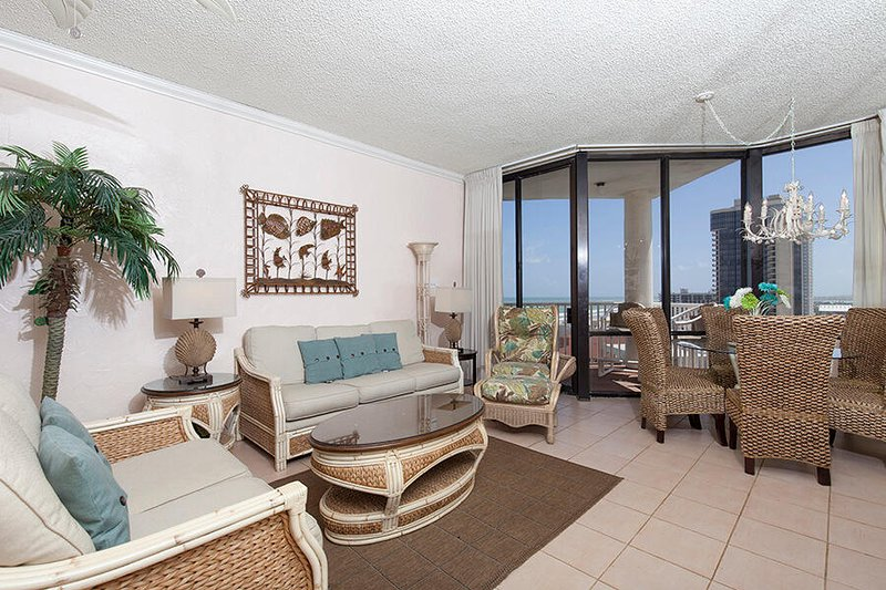 Saida Royale Penthouse 9154 - 15th Floor Penthouse, Stunning Ocean & Bay Views, holiday rental in South Padre Island