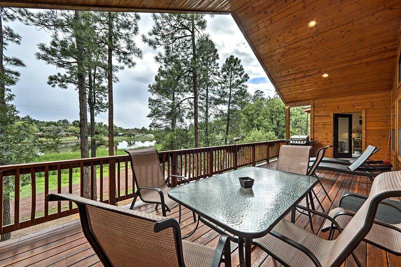 Una rilassante vacanza in montagna vi aspetta in questa baita in affitto a Lakeside!