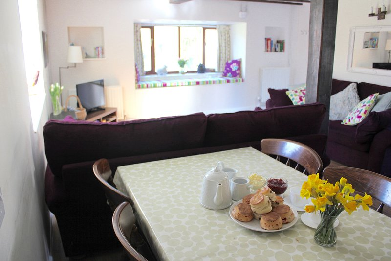 Stream Cottage, holiday rental in Honiton