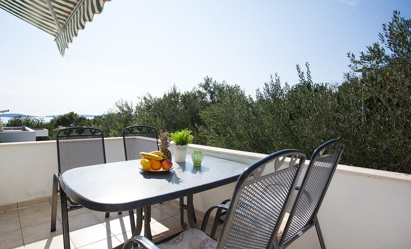 Podstup Apartment Sleeps 4 with Air Con - 5470023, vacation rental in Stankovici