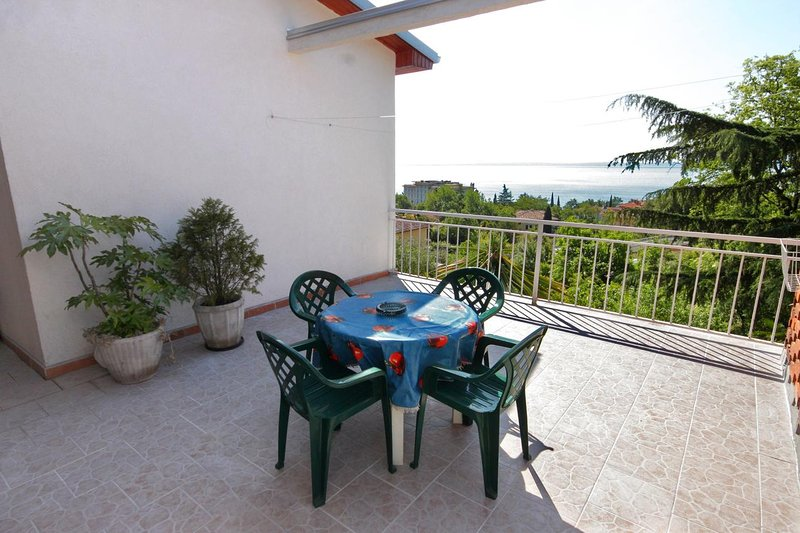 Lovran Apartment Sleeps 3 with Air Con - 5460521, holiday rental in Ika