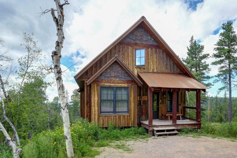 Big Pine Lodge, location de vacances à Lead