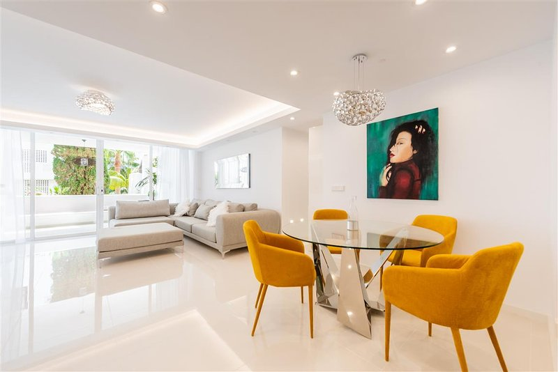 Modern Lounge and Dining Area