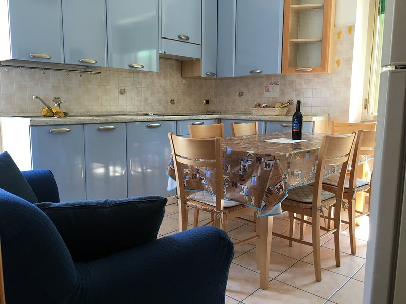 Holiday house next to marvellous Italian sea, vacation rental in Marina di Montenero