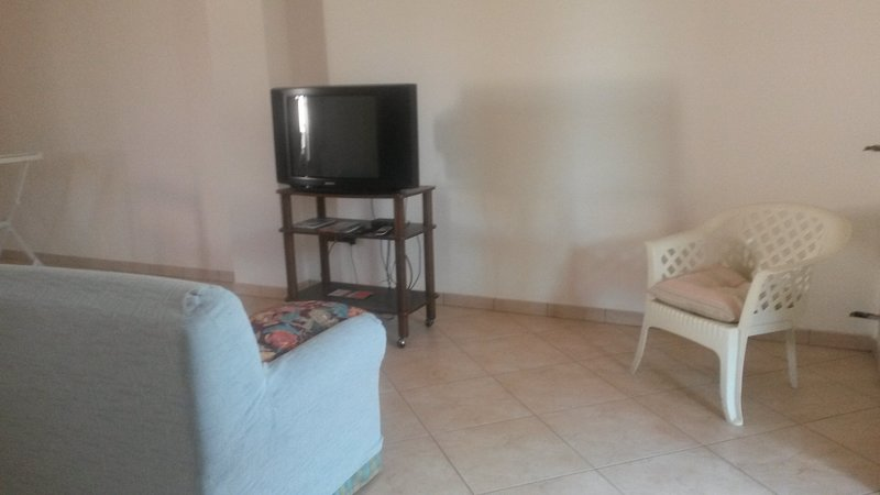 Nice house with balcony, vacation rental in Nociglia