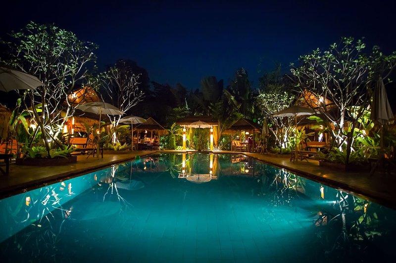 Chiang Mai-Enchanted Garden #5-Two SaltWater Pools, holiday rental in San Kamphaeng