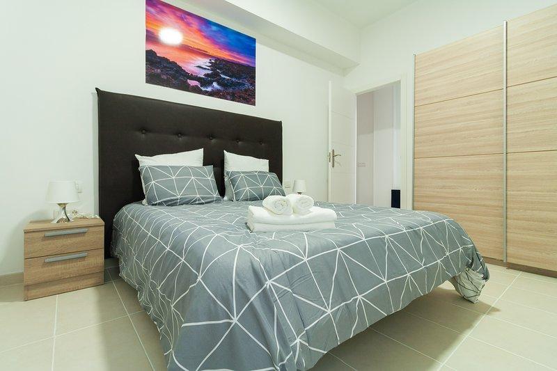 206 Bright and modern apartment in Arrecife, Lanzarote, 4 people, vacation rental in Puerto Naos