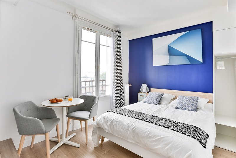 Studio cosy proche Paris et Disneyland RER A, holiday rental in Chelles