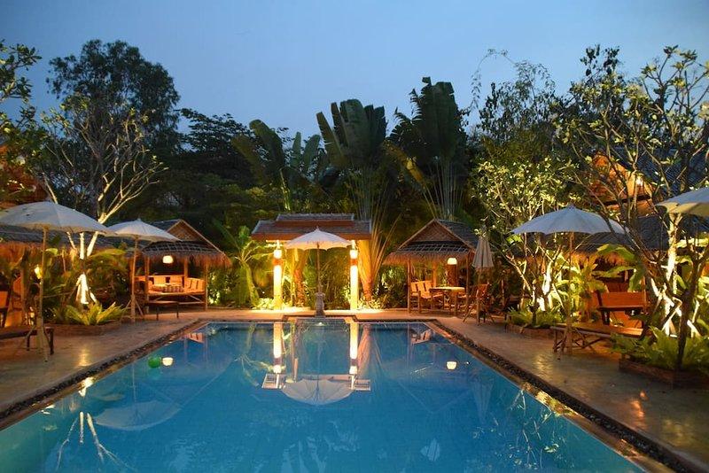 Chiang Mai-Enchanted Garden #9-Two SaltWater Pools, holiday rental in San Kamphaeng