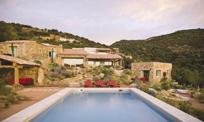 Moon Villa, holiday rental in Santa Giulia
