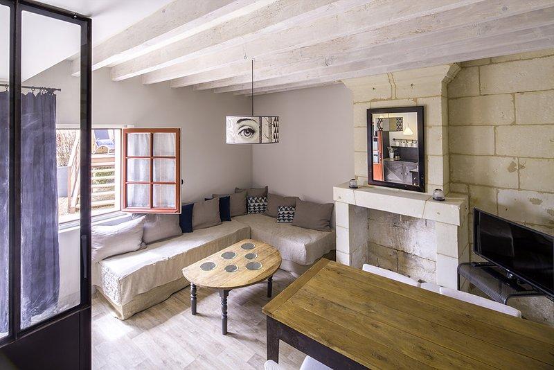 graziosa casa di paese 2 livelli cucina attrezzata vicino al fiume Loira