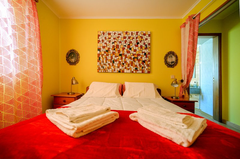 Dona Maria Palmela Apartment, vacation rental in Pegoes