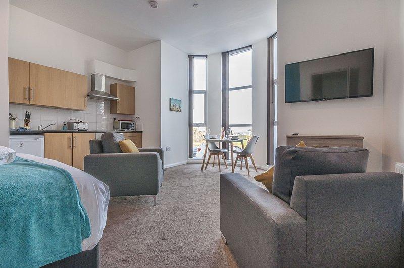 The Goodrington - Five Way Apartments Paignton - Studio with sea view, holiday rental in English Riviera
