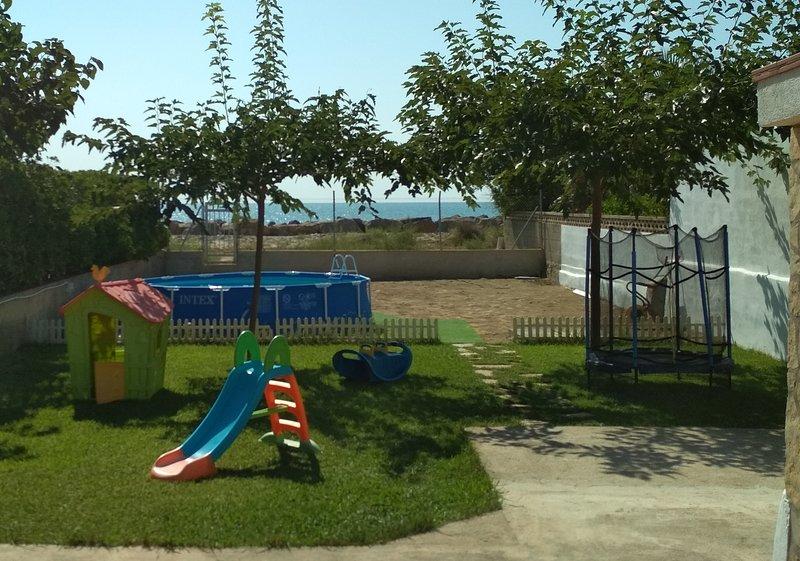 Jardin avec jeux