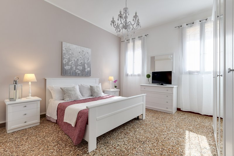 ACCADEMIA OPERA DELUXE - BH, vacation rental in Giudecca