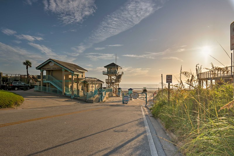 Go ahead and clear your calendar for your Daytona Beach Shores getaway!