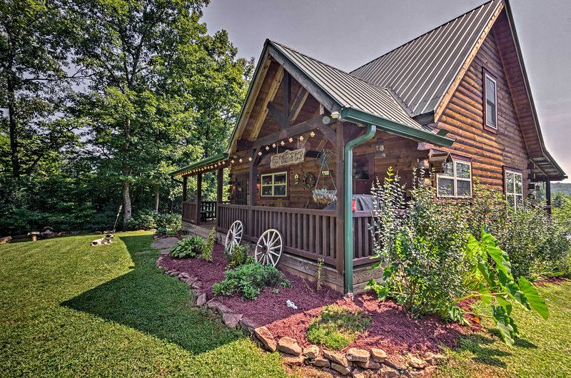 Explore the Smoky Mountains during your stay at this cozy Franklin cabin!