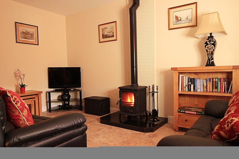 Court Yard House, Rosegarland Estate, Wellingtonbridge, Co.Wexford - 2 Bed - Sle, vacation rental in Bannow