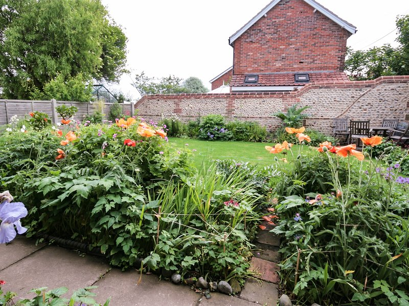 Make the most of the enclosed garden