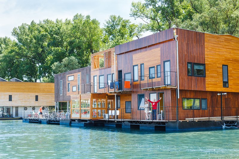 FLOATING ROOMS & APARTMENTS, casa vacanza a Zemun