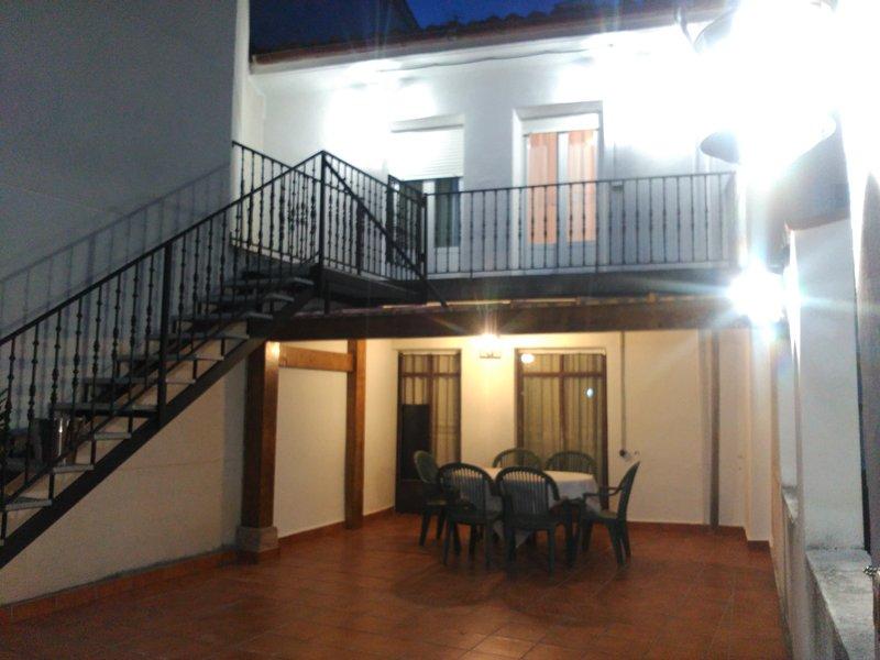 APARTAMENTO 6 PAX.CON VISITA BODEGA2-A, holiday rental in Zorraquin