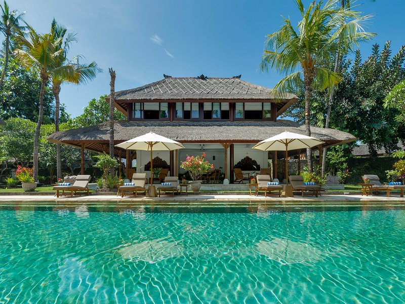 Villa Batujimbar, 9BR, Sanur, holiday rental in Sanur